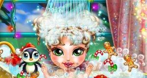 Świąteczna kąpiel bobasa