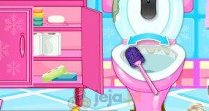 Ciężarna Elsa czyści łazienkę
