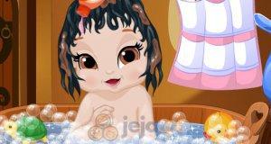 Kąpiel małej Śnieżki