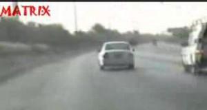Samochodowe popisy Arabów