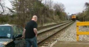 Jak uniknąć zderzenia z pociągiem?