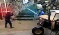 Traktorzysta ze świetlnym mieczem