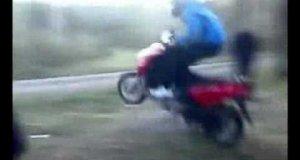 Zdolny motocyklista