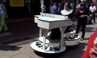Zakonnica na jeżdżący fortepianie