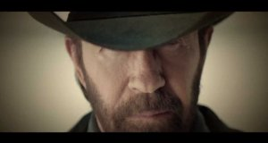 Chuck Norris reklamuje bank