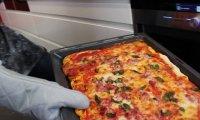 Szwedzki Posiłek - Przerażająca Pizza