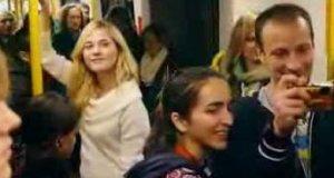 Warszawscy artyści w metrze