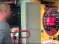Supertata psuje maszynę do bicia