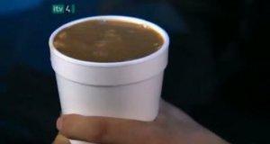Wyjaśnienie sztuczki z kawą