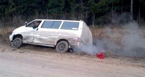 Jak wyciągnąć samochód z rowu