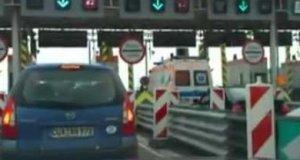 Polskie Absurdy - wjazd ambulansu na autostradę