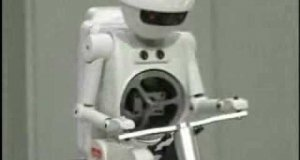 Robot na rowerze