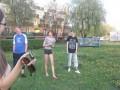 Skok przez krzaki w gimnazjum