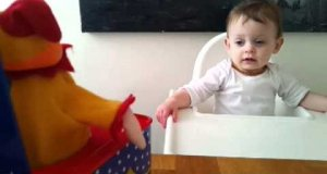Reakcja dziecka na pojawienie się klauna niespodzianki