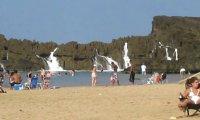Plaża z naturalnym falochronem