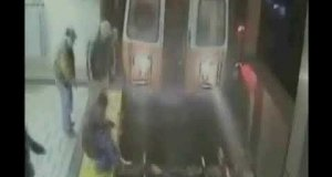 Uniknęła potrącenia przez metro