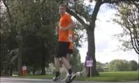 Zawody w bieganiu do tyłu, włączone od tyłu