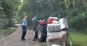 Policjant kontra nawalony traktorzysta