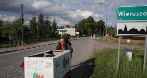 Mieszkańcy Wieruszowa i ich lokomotywa
