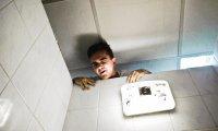 Czego NIE robić w publicznej toalecie
