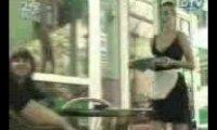 Ukryta kamera -  kelnerka