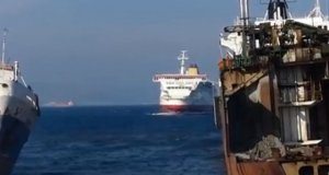"""Ekstremalne """"cumowanie"""" statkiem"""