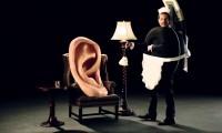 Nietypowa reklama słuchawek