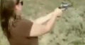 Broń w rękach kobiety