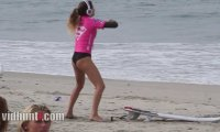 Jak rozgrzewa się surferka