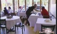 Ukryta kamera - lesbijki w restauracji