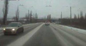 Wypadki na drogach, głównie w Rosji