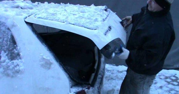 Jak w zimę otworzyć samochód
