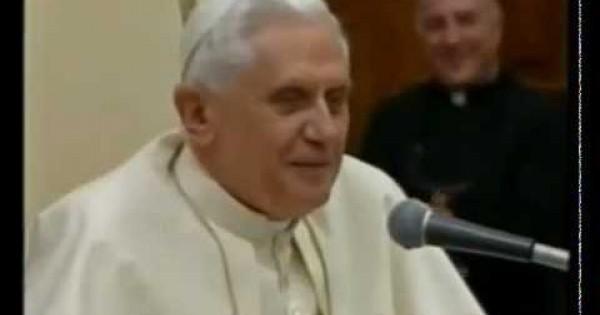 Papież Benedykt XVI opowiada dowcip
