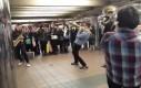Koncert w tunelu metra