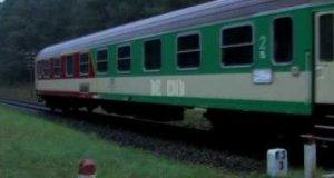 Jedzie pociąg z daleka