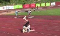 Blondynka zapomniała jak się biega