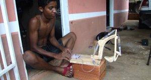 Drewniany prototyp koparki