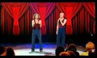 The Umbilical Brothers - Tajemniczy Czołg