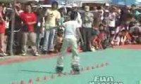 Slalom na rolkach