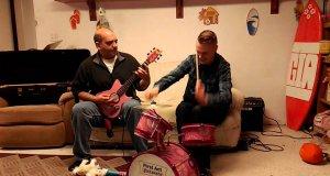 Ostry metal na różowych instrumentach