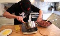 Szwedzki Posiłek - Mordercza Lazania