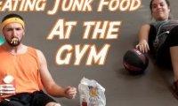 Śmieciowe żarcie na siłowni