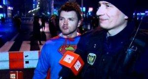 Sylwestrowy Superman czuwa