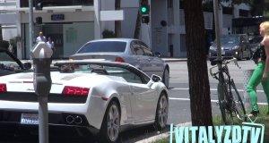 Podrywanie dziewczyn z Lamborghini bez mówienia