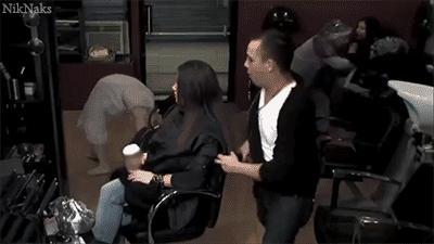 Tymczasem w salonie fryzjerskim...