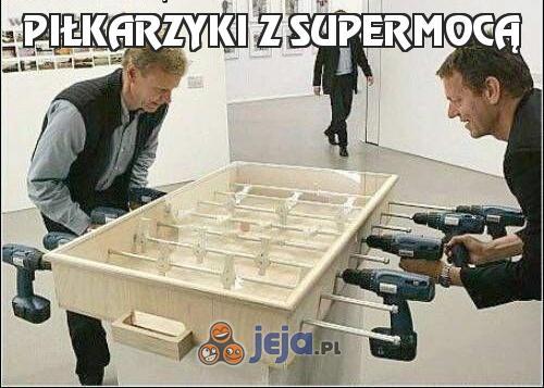 Piłkarzyki z supermocą