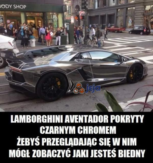 Lamborghini Aventador pokryty czarnym chromem