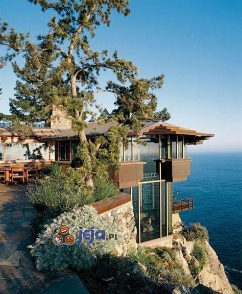 Domek z widokiem na morze