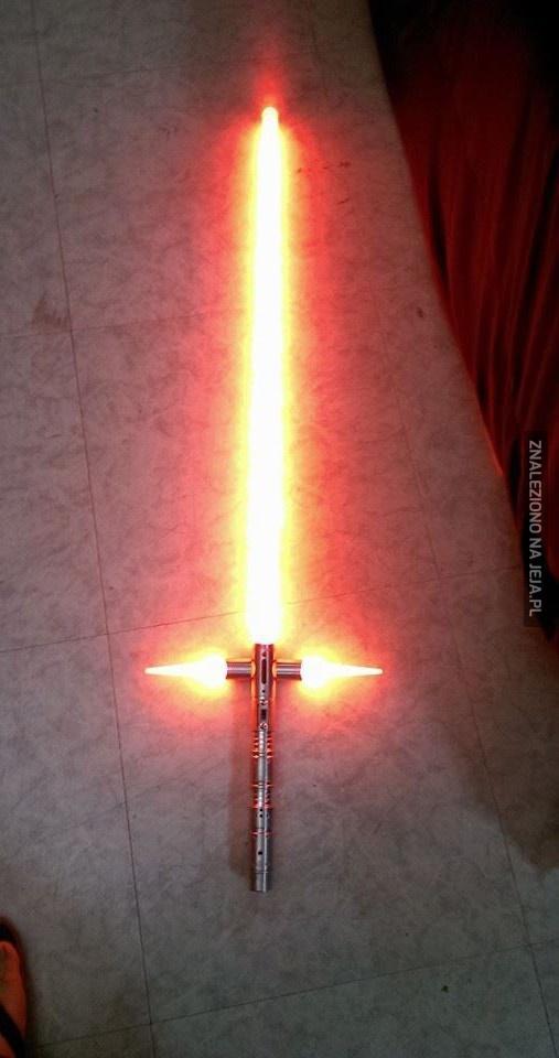 Najnowszy model miecza świetlnego