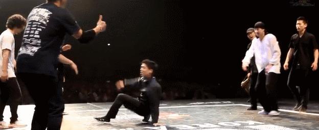 Jak zniszczyć przeciwnika na parkiecie